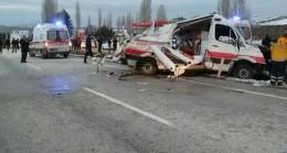 Ambulans Kazasında Sağlıkçı Hayatını Kaybetti