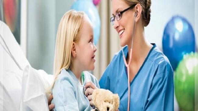 Çocukları hastalandığında, Sağlıkçıların refakat izinleri kaç gün?